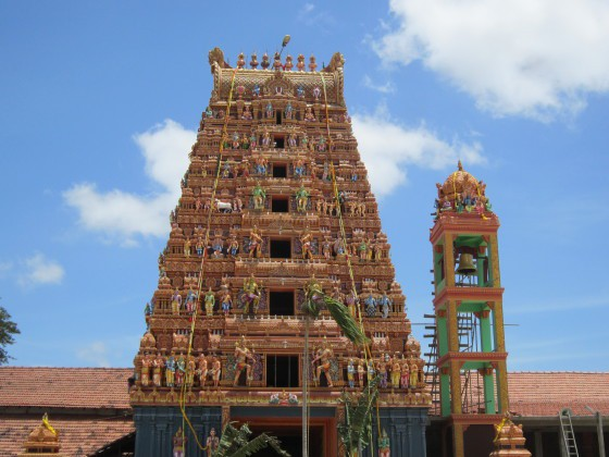 Vallipuram Aalwar temple